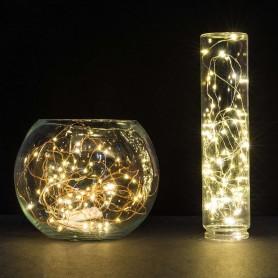 """Alambre de luz LED """"gota"""" con 3 pilas AA. 10 metros 100 led luz calida"""