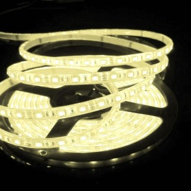 Tira de led flexible de 5 metros SMD 5050 30 led / m Blanco Cálido 2700 / 3200 K protección IP65