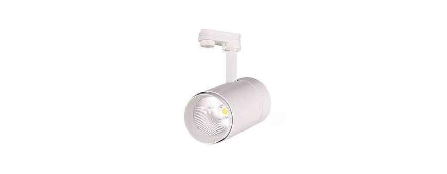 Carriles LEDs y focos para carril