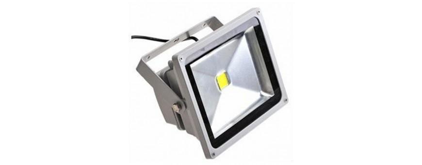 Proyectores / Focos para exterior LED