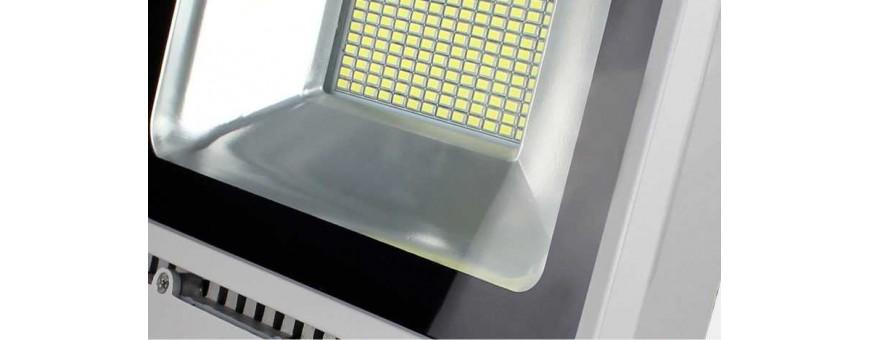 Foco LED profesionales de alta calidad con tecnologia SMD